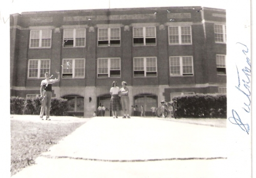 FRONT OF PUTNAM JR. HIGH SCHOOL 1953.  DO YOU RECOGNIZE ANYONE?